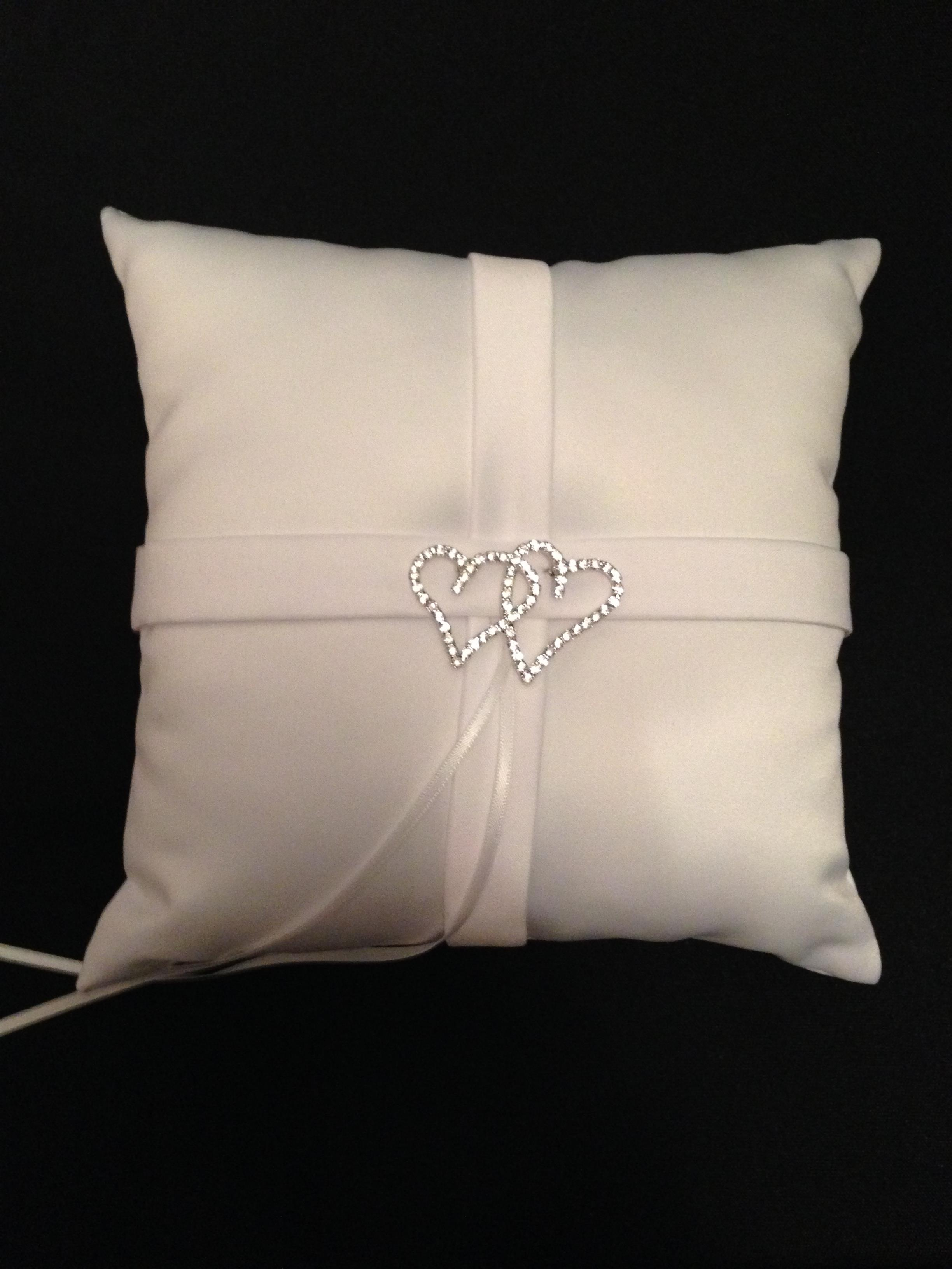 Coussin-yy-alliances-Blanc.jpg